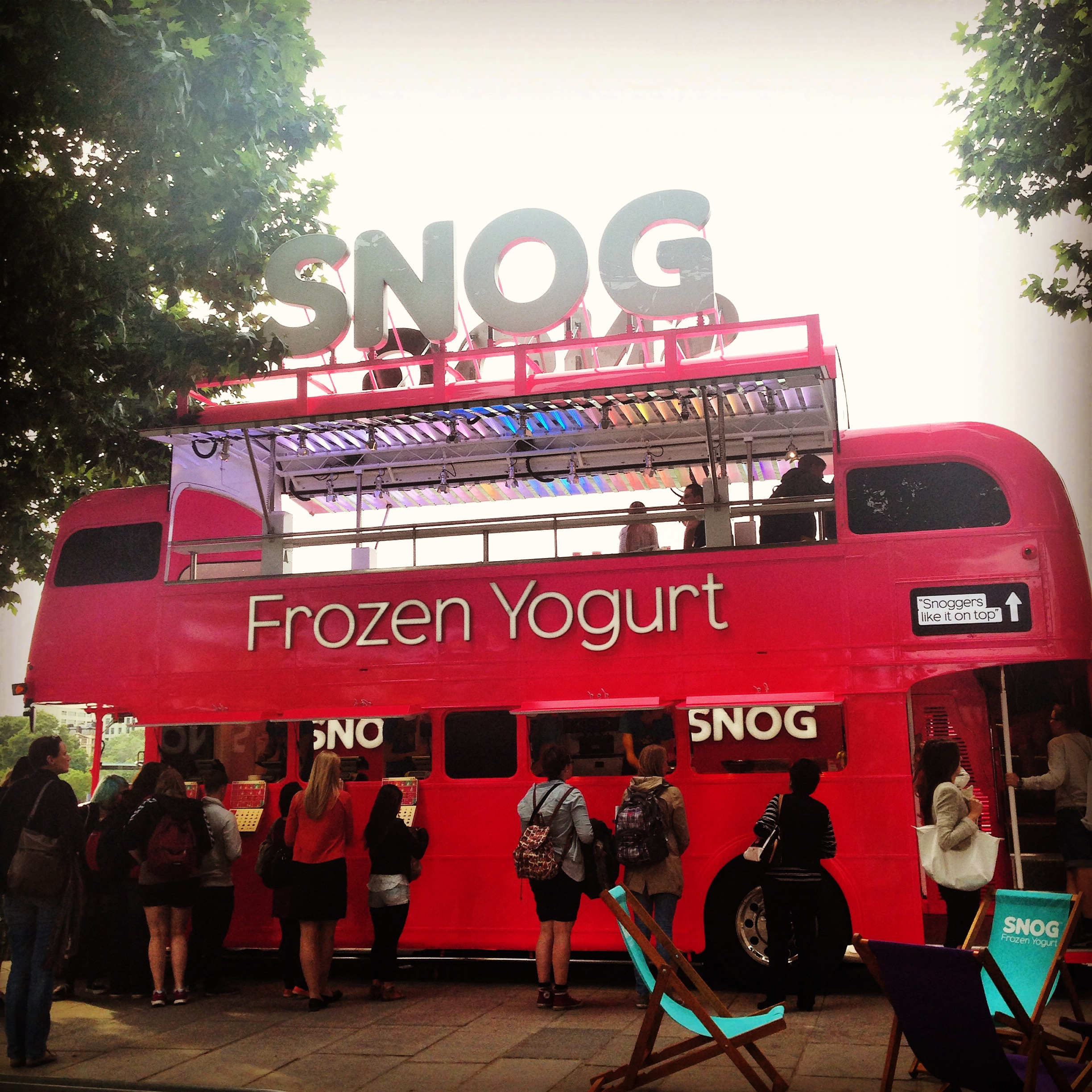 SNOG Bus pulls up on Southbank