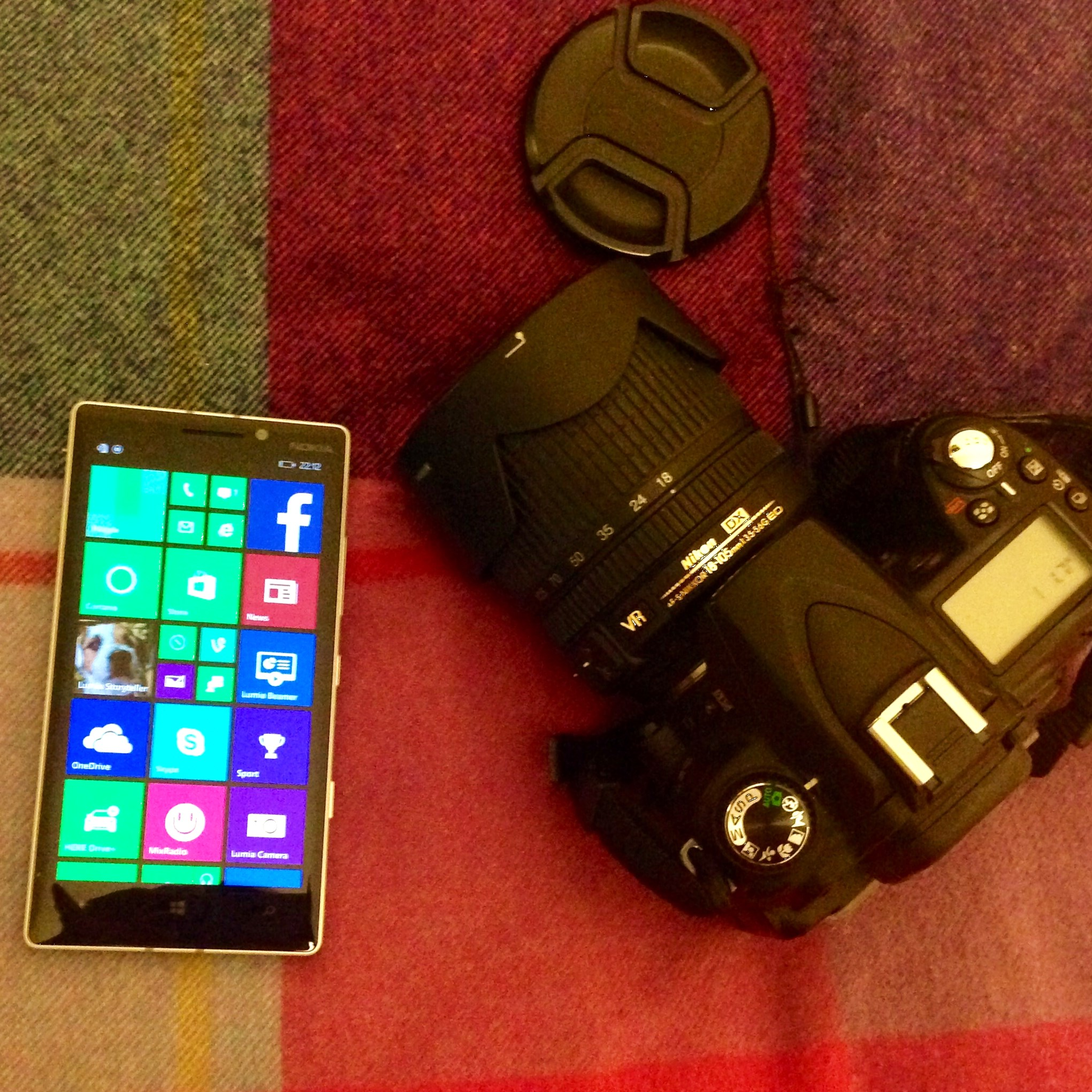 Blogging-on-the-go: DSLR v Camera Phone