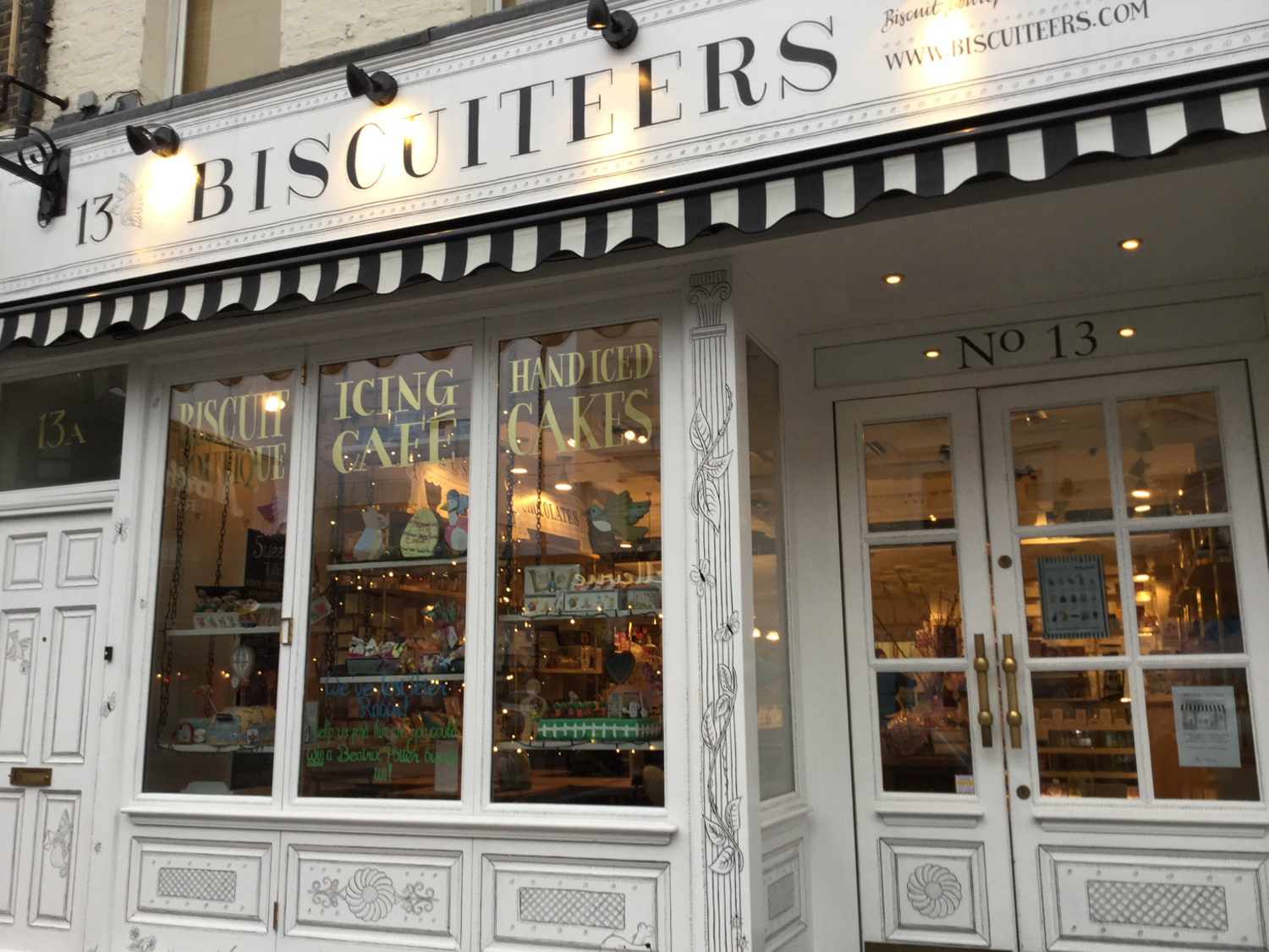 The London Scoop: Icing Lates at Biscuiteers